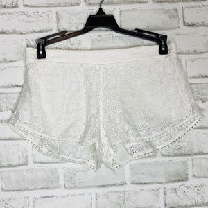 Pants - 🎉5 for $25🎉 Aerie White Crochet Lace Shorts